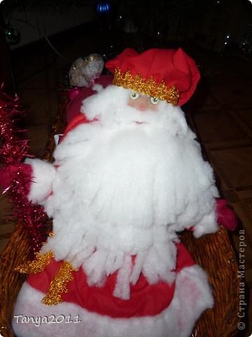 Вот такой оленёнок везёт подарки для детей. Размер работы - 1.7 метра в длину и 1 метра в высоту. фото 2