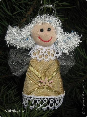 Здравствуйте,мои хорошие!!!Со светлым праздником Рождества Христова Вас!!! Счастья , крепкого здоровья ,любви близких и неиссякаемого вдохновения!!! А я сегодня к Вам с рождественским ангелочком )))