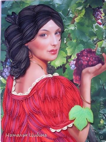 Картина панно рисунок Бумагопластика Квиллинг Девушка с виноградом Бумага фото 2