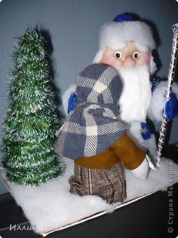 """Здравствуйте жители любимой Страны мастеров. Конечно я понимаю что припозднилась с Новогодней композицией, но раньше не могла никак, что то закрутилась. Вот и решила пусть лучше позднее покажу свою работу чем никогда. В школу к Новому году потребовалась работа на новогоднюю тему и решили мы с Ваней сделать вот такую композицию из сказки """"Морозко"""" фото 8"""