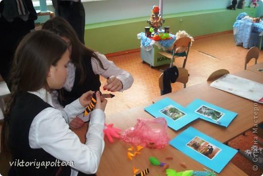 """На уроках проектной деятельности учащиеся 11 класса выбрали тему проекта """"Оформление группы детского сада в технике модульного оригами"""". На сборку модулей и самих работ ушло около 2-х месяцев фото 5"""