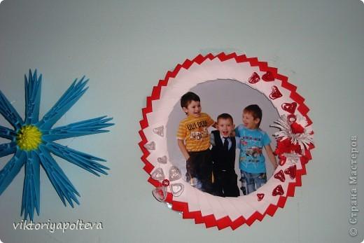 """На уроках проектной деятельности учащиеся 11 класса выбрали тему проекта """"Оформление группы детского сада в технике модульного оригами"""". На сборку модулей и самих работ ушло около 2-х месяцев фото 7"""