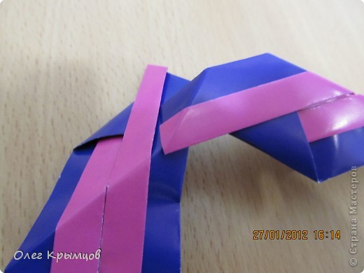 Geometric origami including triangular, quadrilateral, polygon origami... here is a beautiful flowers. share origami...