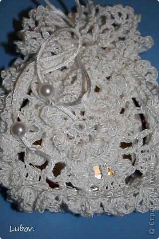 Поделка изделие Презент от Голубки Вязание крючком Ажурный чехол Морозная сказка для зеркальца Бусинки Пряжа фото 6.