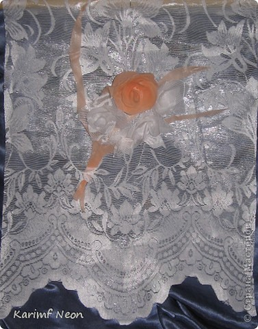 Как и в паутинке (  http://stranamasterov.ru/node/308168  ), ВЕСЬ ТЮЛЬ покрыл клеем ТИТАН. Когда всё высохло (около 4-х часов) ткань стала жесткой, и стала похожа на бумагу. ВСЁ остальное делал, как с обычной БУМАГОЙ! И получились цветочки.  фото 3