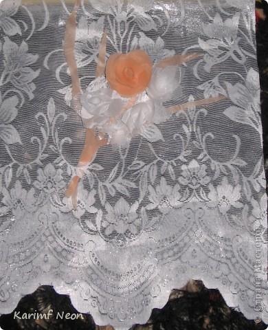 Как и в паутинке (  http://stranamasterov.ru/node/308168  ), ВЕСЬ ТЮЛЬ покрыл клеем ТИТАН. Когда всё высохло (около 4-х часов) ткань стала жесткой, и стала похожа на бумагу. ВСЁ остальное делал, как с обычной БУМАГОЙ! И получились цветочки.  фото 4