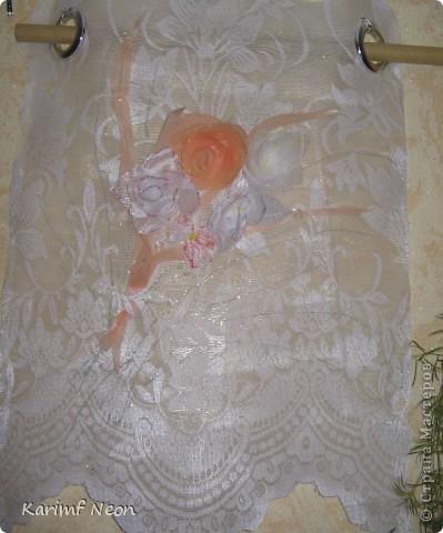 Как и в паутинке (  http://stranamasterov.ru/node/308168  ), ВЕСЬ ТЮЛЬ покрыл клеем ТИТАН. Когда всё высохло (около 4-х часов) ткань стала жесткой, и стала похожа на бумагу. ВСЁ остальное делал, как с обычной БУМАГОЙ! И получились цветочки.  фото 6