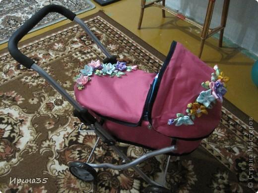 Моей младшей доченьке на день рождения крестная подарила коляску для куклы. ...Мне чего-то в ней не хватало... фото 1