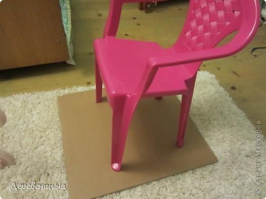 Да-да. Забывайте. Потому что отныне это креслице будем видеть только на фотографии. Оно красивое, для девочки. Но... такие есть у всех. Будем его прятать!!! фото 2