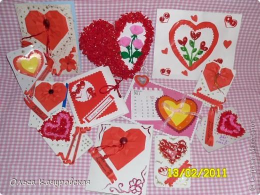 Вот и мы подготовились праздновать День всех влюбленных!!! Мастерили с дочкой открытки, украшали окна.... Результатом довольны!  фото 2