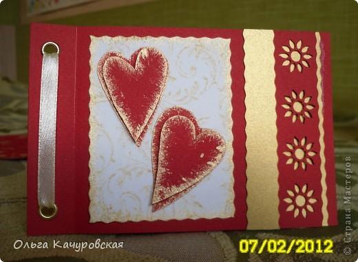 Вот и мы подготовились праздновать День всех влюбленных!!! Мастерили с дочкой открытки, украшали окна.... Результатом довольны!  фото 13