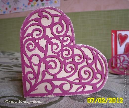 Вот и мы подготовились праздновать День всех влюбленных!!! Мастерили с дочкой открытки, украшали окна.... Результатом довольны!  фото 8