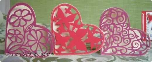 Вот и мы подготовились праздновать День всех влюбленных!!! Мастерили с дочкой открытки, украшали окна.... Результатом довольны!  фото 9