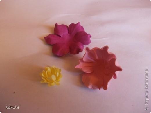 У меня была проблема, не могла купить цветы для скрапа, перелопатила кучу информации, и вот результат перед вами: я их сделала. Теперь хочу поделиться опытом. На авторство не претендую.  фото 15