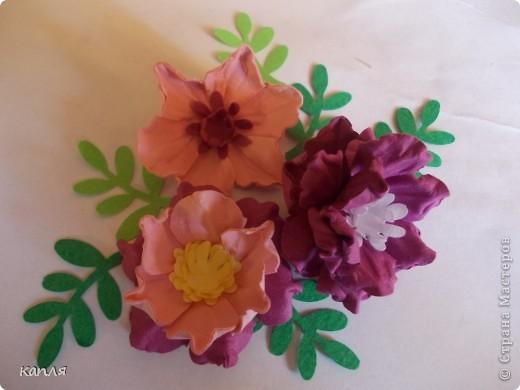 У меня была проблема, не могла купить цветы для скрапа, перелопатила кучу информации, и вот результат перед вами: я их сделала. Теперь хочу поделиться опытом. На авторство не претендую.  фото 17