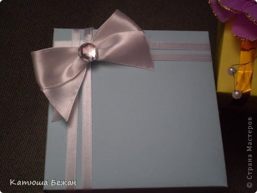 Готовясь к сегодняшнему дню рождения я решила гостям сделать ответные подарочки=)я подумала ,что будет очень удобно не искать какие-то коробочки....пакетики для тортика или ещё чего-либо и гораздо приятней моему гостю) фото 2