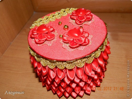 Декор предметов 8 марта Цумами Канзаши Шкатулка Ленты фото 1