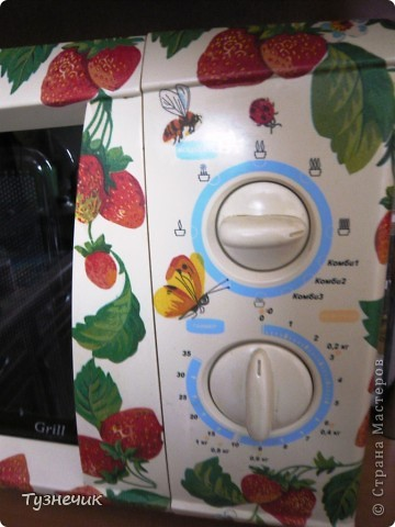 Это я, по просьбе мамы, немножко украсила микроволновку.... фото 2
