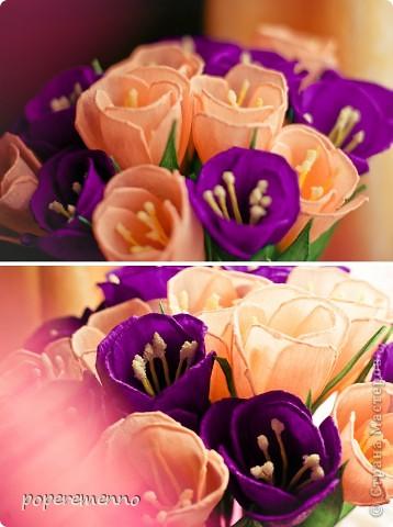 Цветы из оранжевой гофрированной бумаги