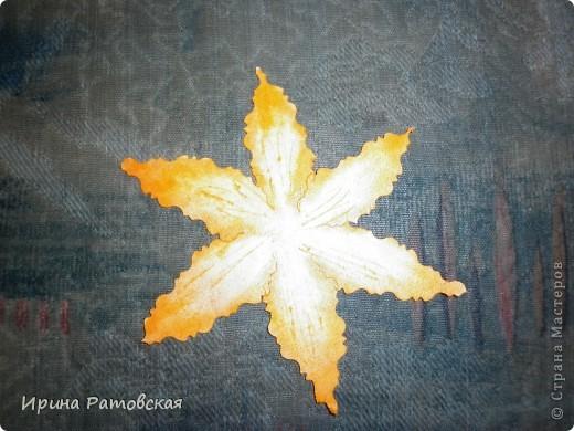 Цветочки бывают разные..... Хочу познакомить вас с результатом моего эксперимента по изготовлению цветочков с намеком на винтаж для разного использования. Можно в открытки, можно на оформление коробочек, поздравительных газет в школе и т д. фото 7