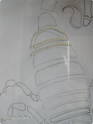 """У меня сын (9 лет) увлёкся коллекционированием фигурок скорпионов. И вот, я решила пополнить его коллекцию, нарисовав скорпиона в технике """"point-to-point"""". Получилось необычно, оригинально, да и сын остался доволен. Тем более, это может быть прекрасным подарком для тех, кто родился под созвездием этого знака. Хочу поделится секретами работы над картиной. фото 5"""