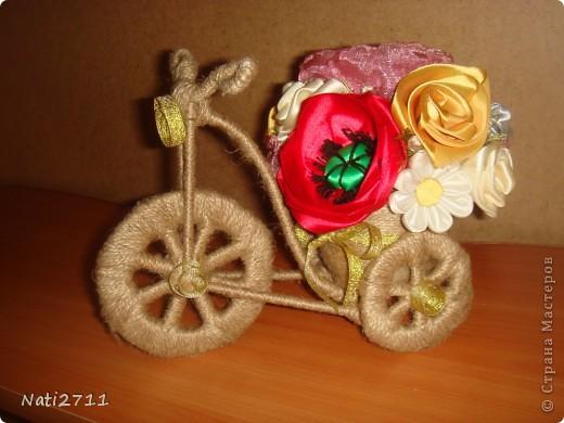 Давно заглядывалась на такие велосипедики. Вот и решила по поводу 8 Марта смастерить цветочный велосипед для любимой бабушки фото 1