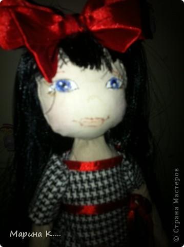 """Захотелось мне сшить куколку по мотивам Сьюзан Вулкотт. Шила ее для дочки и, поскольку она была моей заказчицей, лицо было изменено. )))) Дочка настоятельно попросила, чтобы у куколки были """"нормальные"""" глазки, ротик и носик. Получилось вот так.... В руках у куколки мишка из фетра. фото 3"""