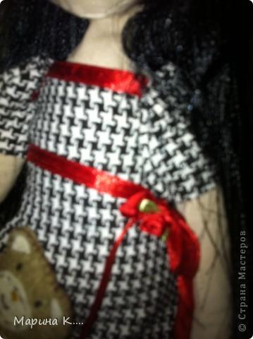 """Захотелось мне сшить куколку по мотивам Сьюзан Вулкотт. Шила ее для дочки и, поскольку она была моей заказчицей, лицо было изменено. )))) Дочка настоятельно попросила, чтобы у куколки были """"нормальные"""" глазки, ротик и носик. Получилось вот так.... В руках у куколки мишка из фетра. фото 6"""