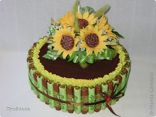 Вот такой торт-шкатулка с подсолнухами заказали. Сделала. Цветы по МК от ЕМ. Спасибо за опыт и подсказки. фото 1