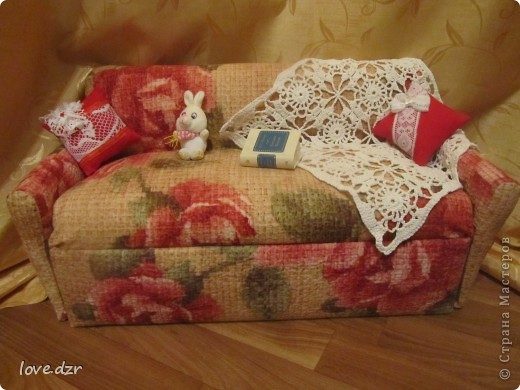 Диван,подушки делала я,мама вязала плед. фото 1
