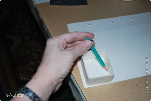Существует несколько способов изготовления шкатулок из картона. Этот самый простой. фото 10