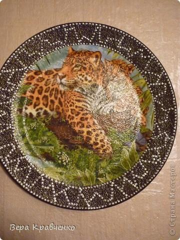 Доброго времени суток, гости дорогие!!! Вчера заказали мне две тарелочки на подарок! Ну ооочень просили. Пришлось поднапречься и ... Вот что у меня получилось. Заказчица была в восторге!!! фото 2