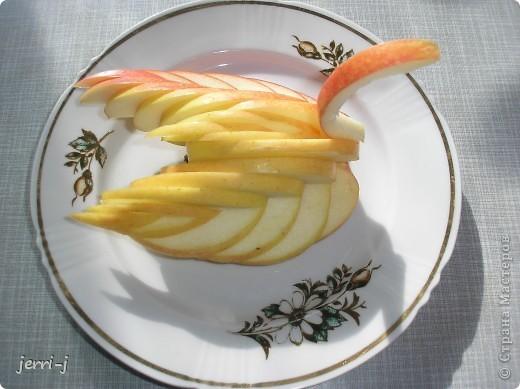 Фигурка из яблока фото 2