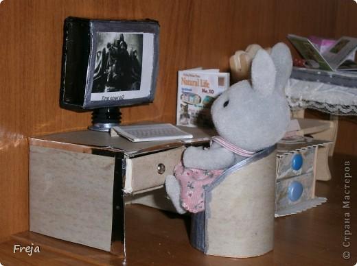 На днях выдал мне муж, что это, мол, папа-заяц без компа до сих пор ... Ну, папе виднее, что нужно папе-зайцу:) Решила изобразить. фото 12