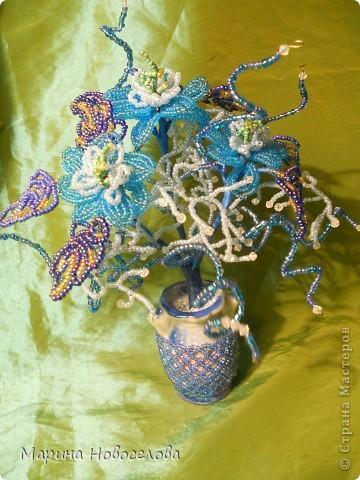 Летом купила дешевые керамические вазочки разных цветов. В конце зимы наконец-то нашла им применение. Сделала 4 цветочные композиции по цвету гармонирующих с вазочкой. фото 3