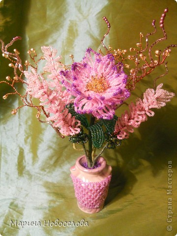 Летом купила дешевые керамические вазочки разных цветов. В конце зимы наконец-то нашла им применение. Сделала 4 цветочные композиции по цвету гармонирующих с вазочкой. фото 4
