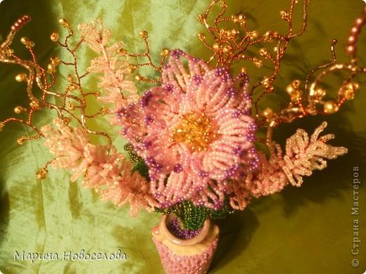 Летом купила дешевые керамические вазочки разных цветов. В конце зимы наконец-то нашла им применение. Сделала 4 цветочные композиции по цвету гармонирующих с вазочкой. фото 5