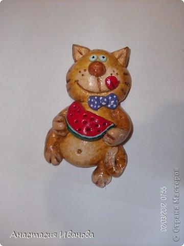 Всем доброе время суток! Предлагаю вашему вниманию мои магнитики :) Рыжих котят подсмотрела у Ольги Грига, а черненького по открытке, которую нашла на страничке Самурайчика. фото 4