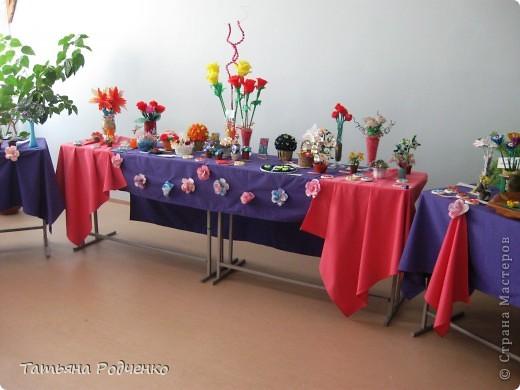 """С приходом весны, СТРАНА!!! Предлагаю вашему вниманию фоторепортаж с выставки в нашей школе. Мы её назвали """"Цветочная феерия"""", и это справедливо, ведь скоро Женский день))) фото 3"""