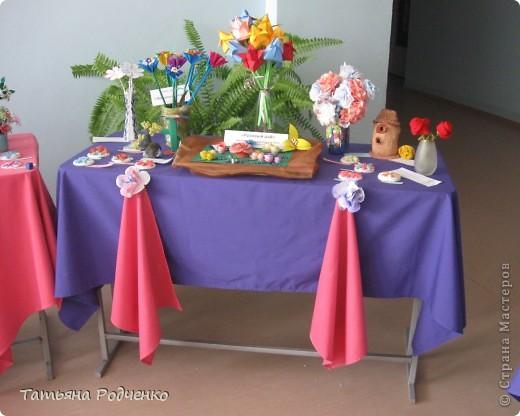 """С приходом весны, СТРАНА!!! Предлагаю вашему вниманию фоторепортаж с выставки в нашей школе. Мы её назвали """"Цветочная феерия"""", и это справедливо, ведь скоро Женский день))) фото 4"""