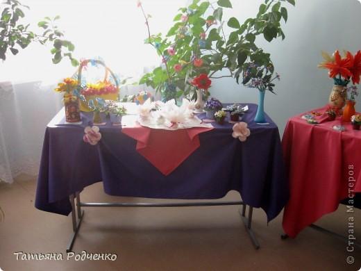 """С приходом весны, СТРАНА!!! Предлагаю вашему вниманию фоторепортаж с выставки в нашей школе. Мы её назвали """"Цветочная феерия"""", и это справедливо, ведь скоро Женский день))) фото 21"""