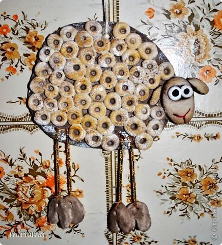 Вот такая овечка у меня получилась) Раскрашивала гуашью, пока еще не покрыла лаком, сохнет :) фото 1