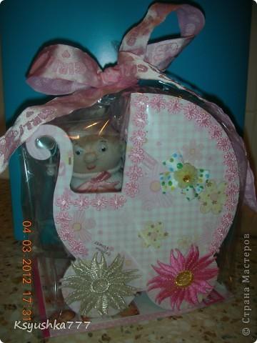 Большое спасибо es-denol за идею. Сделала этот подарок сестренке, у которой родилась доченька. Принесла в роддом - девчонки из других палат ходят смотреть. фото 3