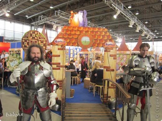 В Москве проходила выставка, посвященная рукоделию. Хочу и вам показать некоторые работы. фото 2
