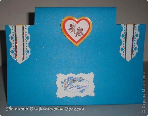 Вот такие открытки можно сделать к женским праздникам. На этой открытке горшочек для деревца покрашен аэрозольной краской.  Фон из обыкновенной салфетки.. Украшена дырокольностями и самоклеющей бумагой. Розочки-квиллинг Открытка из целого листа картона фото 4