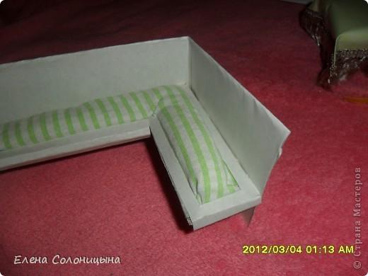 Здравствуйте всем читателям МС! Ну вот руки снова дошли до кукольного домика. Сегодня в нашем кукольном домике появился кухонный уголок. фото 24