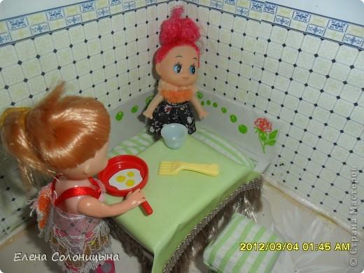 Здравствуйте всем читателям МС! Ну вот руки снова дошли до кукольного домика. Сегодня в нашем кукольном домике появился кухонный уголок. фото 29