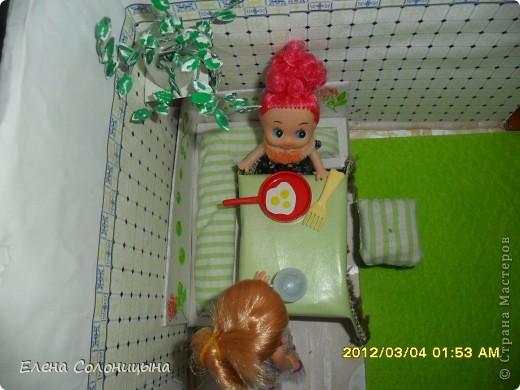 Здравствуйте всем читателям МС! Ну вот руки снова дошли до кукольного домика. Сегодня в нашем кукольном домике появился кухонный уголок. фото 31