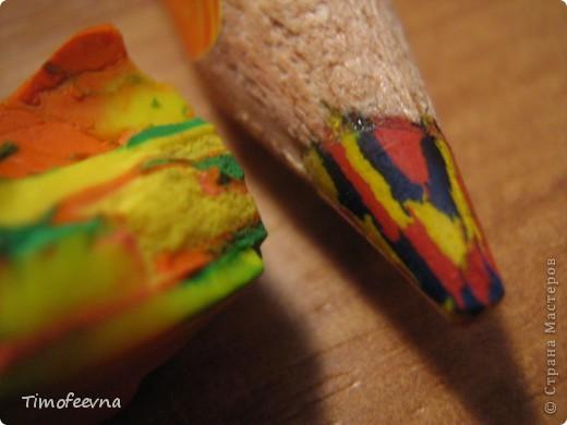 """Приветствую гостей своего блога!! Всем вам очень рада! На днях, попалась мне на глаза одна ссылочка - <a href=""""http://whimsy-girl.blogspot.com/2008/07/cool-chunky-crayons-tutorial.html"""">вот эта</a> - и я поняла, что мимо пройти просто не могу! И вот я вам показываю, чего натворила-наварила (вернее, наплавила), а именно, сделала радужный восковой мел! фото 11"""