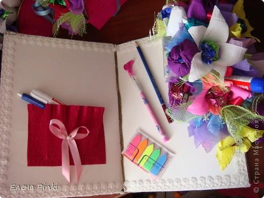 Добрый день дорогие жители страны!!!Вот еще букетики к 8 марта...все в одинаковых цветах, т.к. цветочки приготавливались на очень скорую руку и времени на разнообразие совсем не было!Все было сделано оптом=)) фото 3